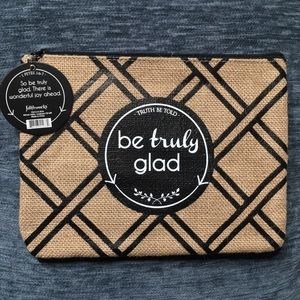 Accessories - Burlap zip-up make up bags